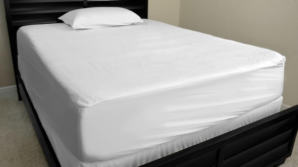 Deluxe Hotel Elastic Fitted Bed Sheet Set