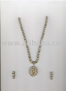 Diamond Kundan Mina Set