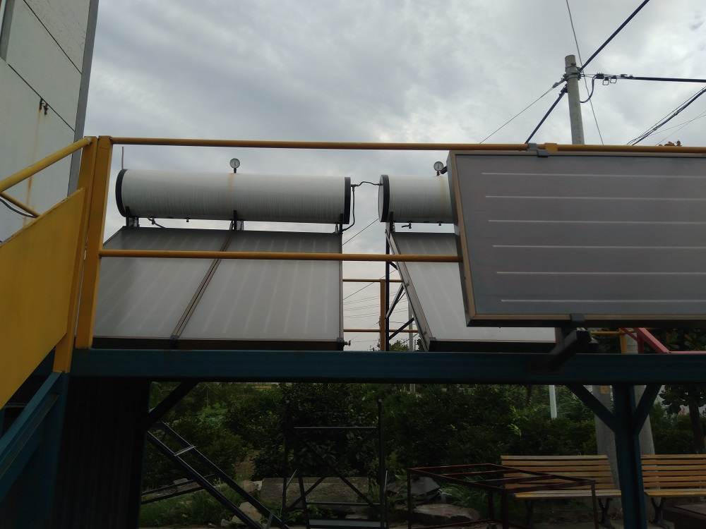 Heat Pipe Solar Water heaters Solar Thermal Pressurized panels