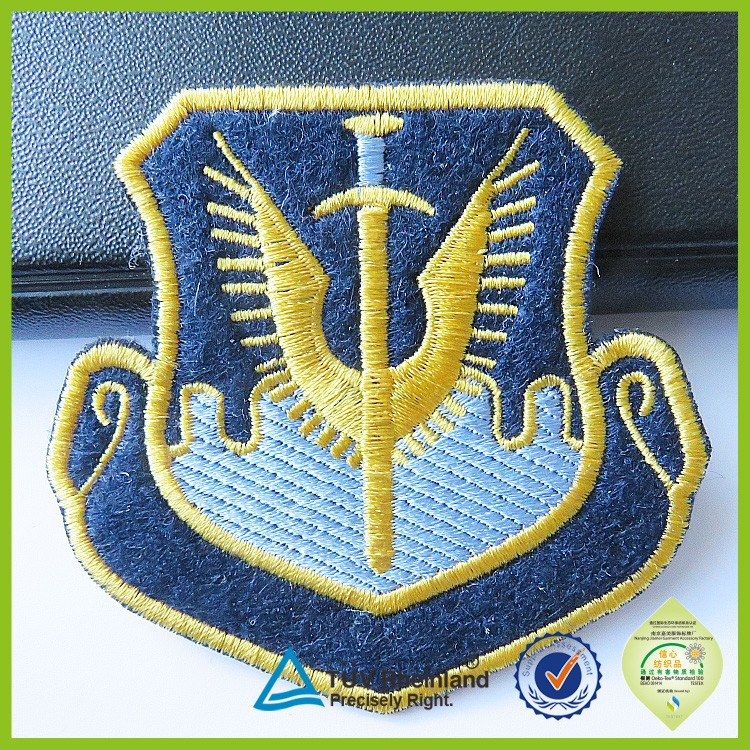 New design felt embroidered labels 2015 embroidery emblems patches