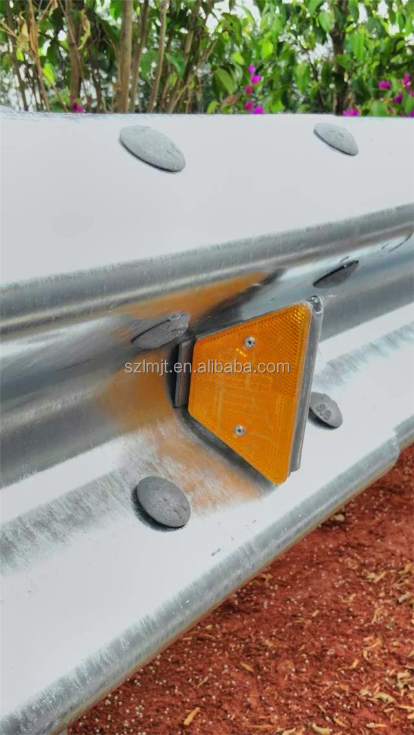 Highway solar powered guardrail delineator