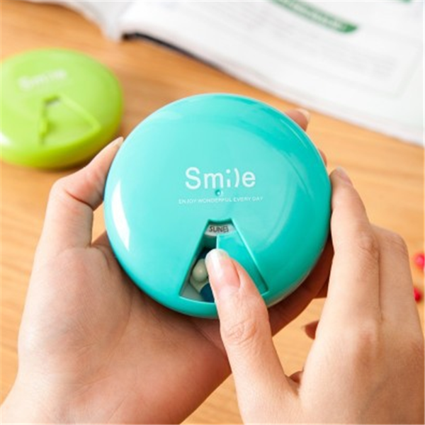 Promotional cute plastic round removable pill box travel pocket small pill organizer