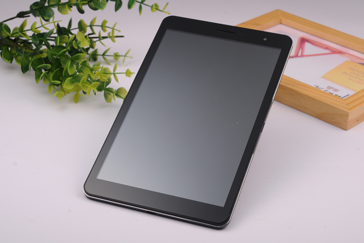 7inch ips(1280*800) MTK6582 quad core 3g call 1g+8g TP:<strong>g</strong>+<strong>g</strong> cameara 2mp+5mp light induction and distance induction phablet