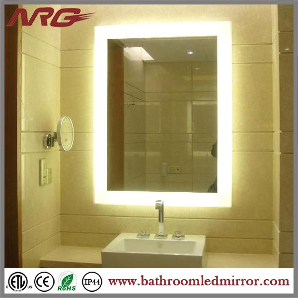 Tocador con luces alrededor del espejo espejos de ba o for Espejo tocador con luces