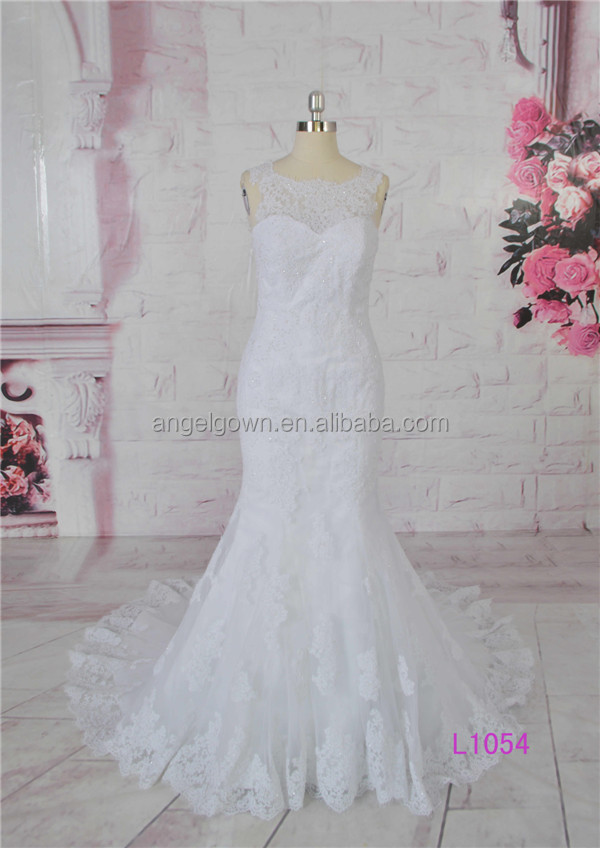 Slim-line sleeveless white mermaid gown wedding dreses with sequins