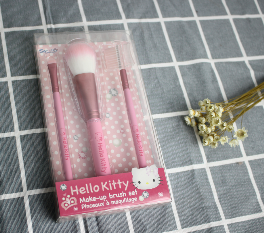 Hello Kitty 3PCS makeup brush set promotional gifts Powder Eyeshadow Eyebrow brush makeup brush packaging