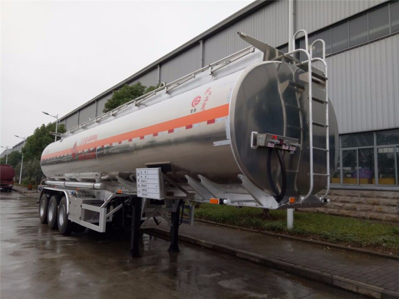 China brand fuel semi-trailer high quality / chemical tank truck for sale