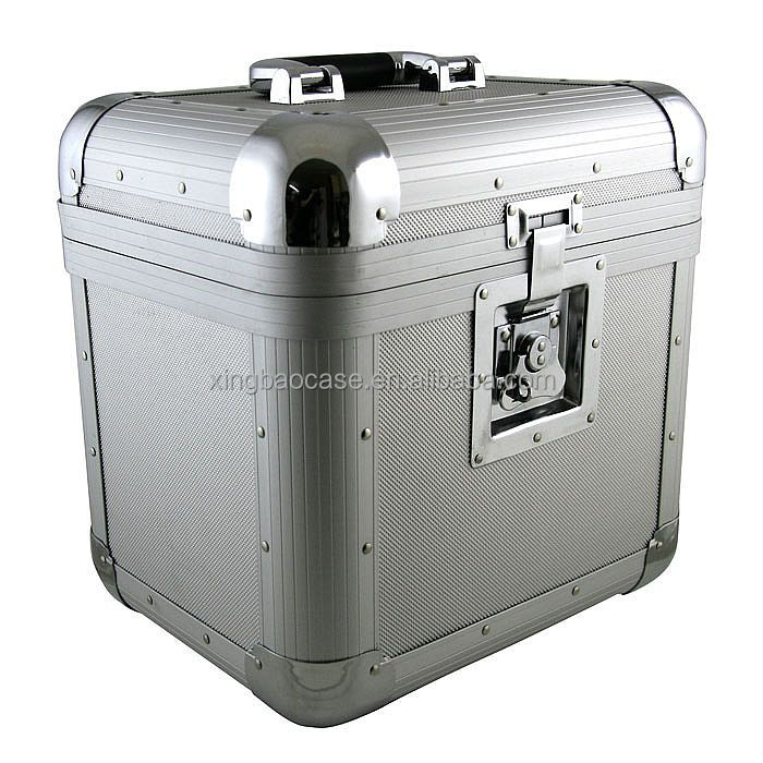 Aluminum beauty case with comfortable handle TL06