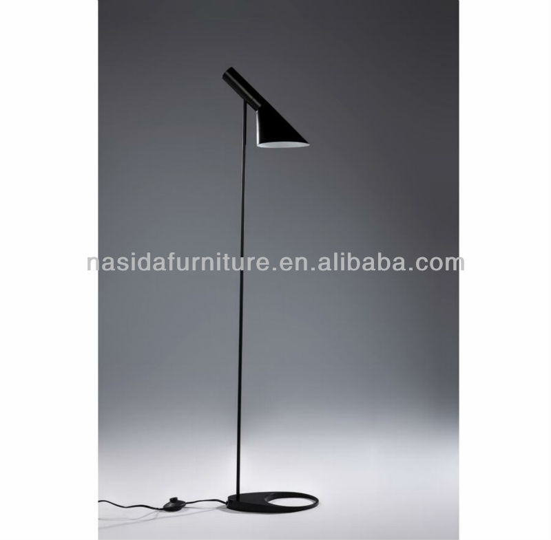 LP252 Arne Jacobsen AJ Floor Lamp in bedroom