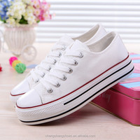 2016 Stock Fashion Hottest Red Color Low Cut Lady Canvas Shoes