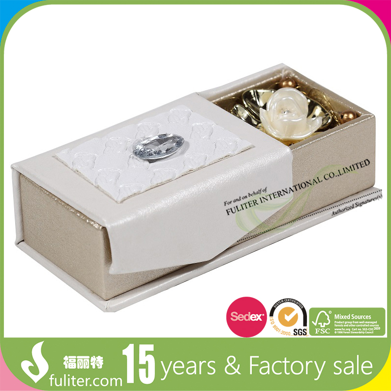 Colorful printed gift box of paper for souvenirs wholesale