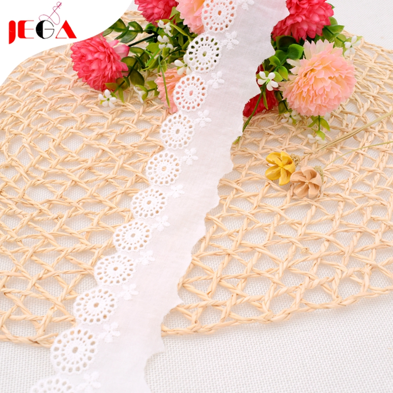White customized embroidery cotton lace trim in China