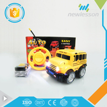 2017 cute popular kids game easy control cartoon mini toy car with light