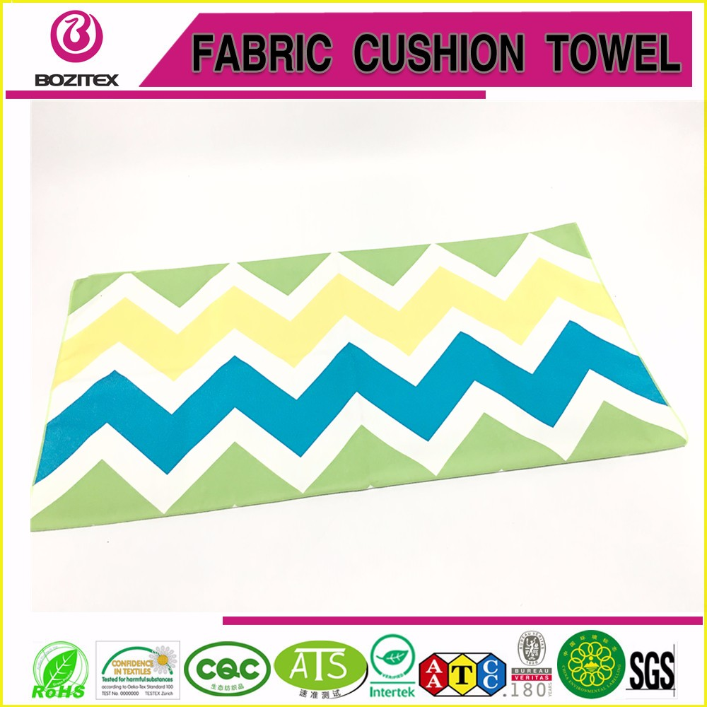 Extremely absorbent Cabana stripe microfiber beach towel can customized a bag