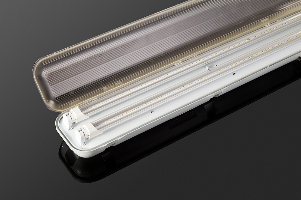 Tri proof light with tubes.jpg