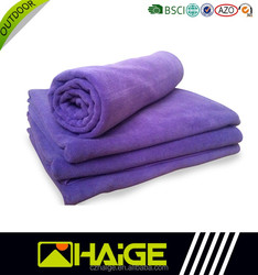 High quality personalized microfiber workout sports towel with Embroidery logo and zip pocket