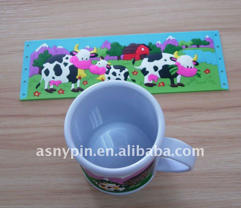 3D cow shape plastic pvc promotion mugs