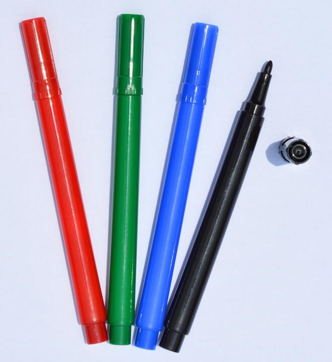 KAICONG Triangle rod Permanent marker Oil-based marker pen Conforms to ASTM D-4236 and EN71-3