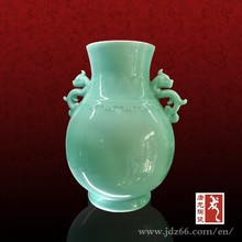 Pretty jade vase Chinese celadon vase with two ears