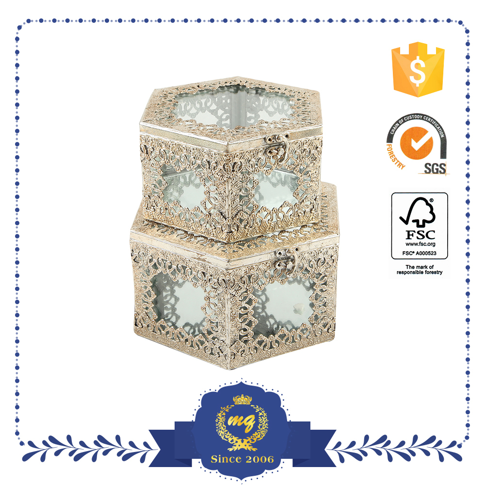 Small Hollow Decoration Iron Box