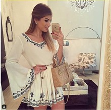 335 Speed sell through selling the new women's clothing embroidery restoring ancient ways horn sleeve v-neck white dress
