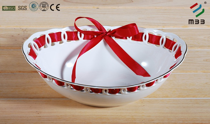 Porcelain 31.5cm hollow out bowl with silk tie and with 1mm gold rim, use for saving food and gruits