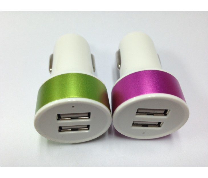 2.1A dual car charger with two usb plug charging mobiles and tablets