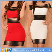 Sexy fashion dress of waist and buttock, behind the side straps and zipper decoration, red and white