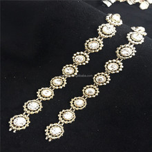 Wenzhou crystal rhinestone mesh trimming.Factory price 10 yards/roll rhinestone trimming for dress