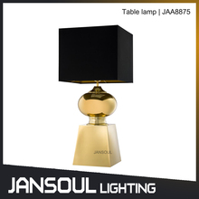 European noble classic style metal table lamp for project