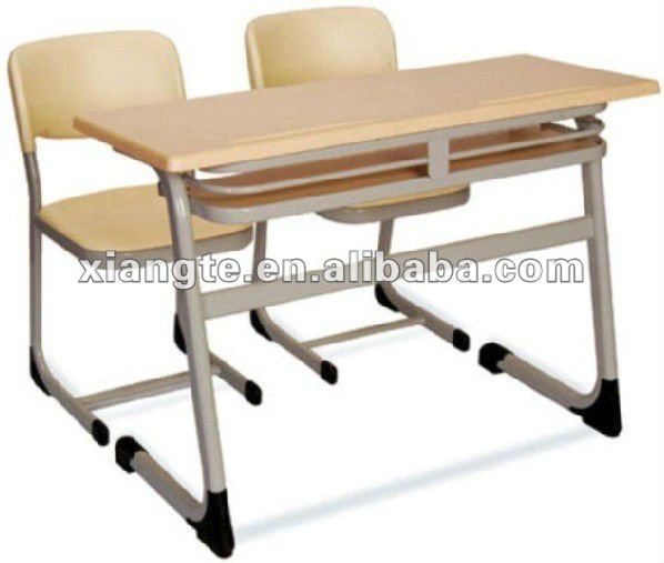 Middle school desk and chair/classroom furniture