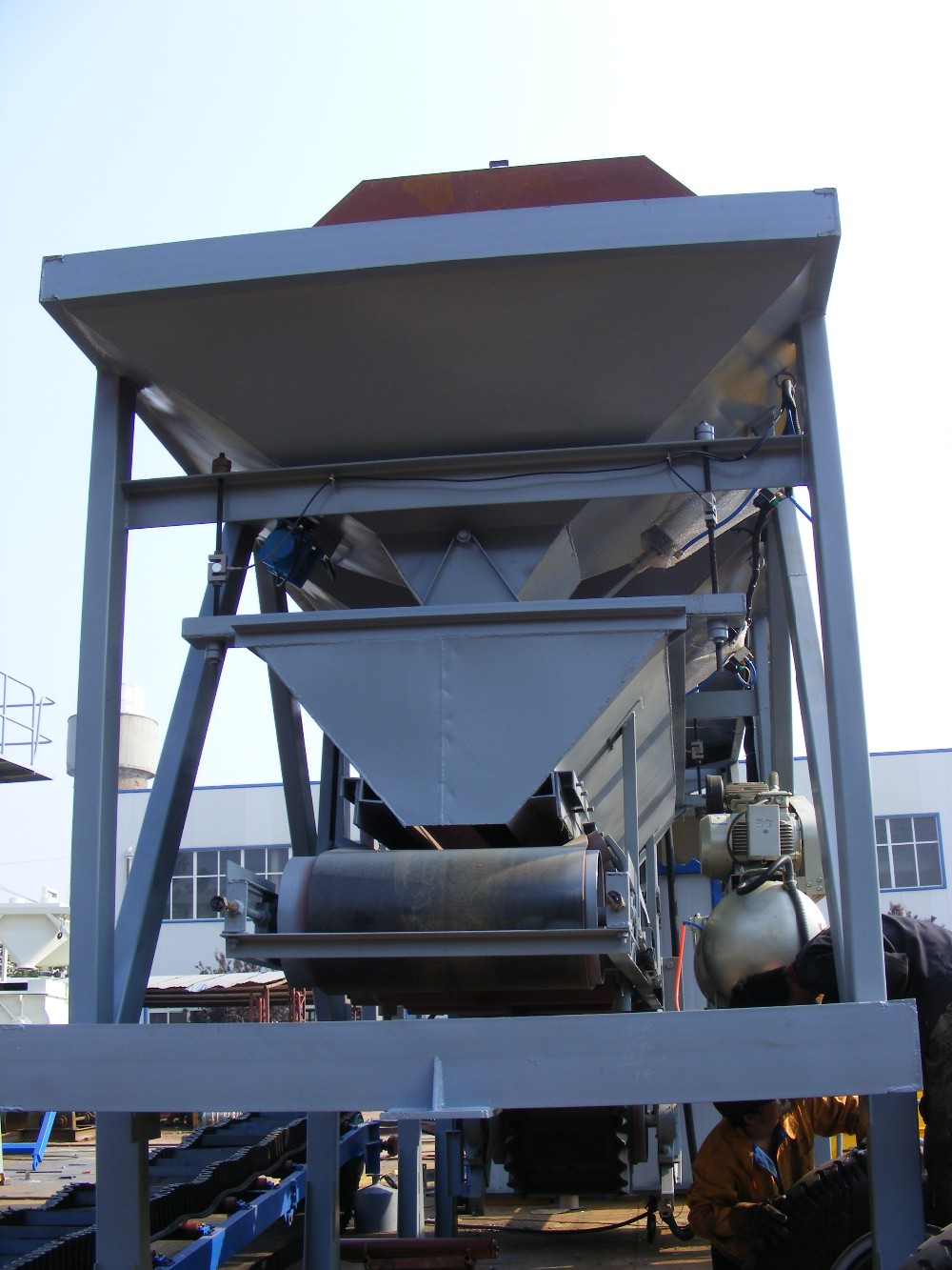 hot sale High-quality mobile concrete batching plant