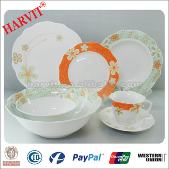 New Design Dubai Wholesale Market / Ceramic Tableware Decoration Porcelain decal Dinner Set/White Porcelain Dinnerware Sets