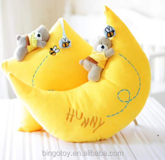 new set hot-selling lovely stuffed plush moon and star sleeping pillow