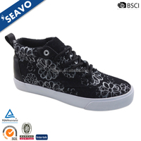 SEAVO 2016 wholesale fashion flowers printed ladies high cut black rubber sole canvas shoes