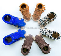 Wholesale Latest Personalized Platinum Leather Baby Moccasins