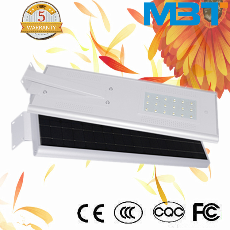 2015 Top Quality New Design CE RoHS IP66 Rotatable 70W Solar LED Street Lights All In One Motion Sensor Outdoor Lam well