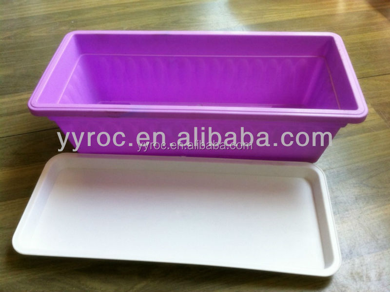 Rectangular plastic plant pot