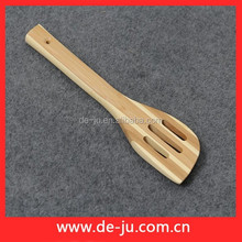 Kitchen Utensils Slotted Curved Bamboo Frying Spatula