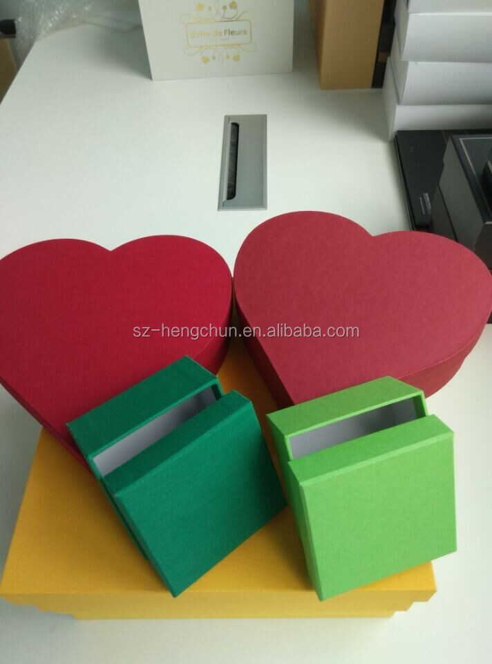 Custom handmade fabric heart shape cardboard gift box supplier