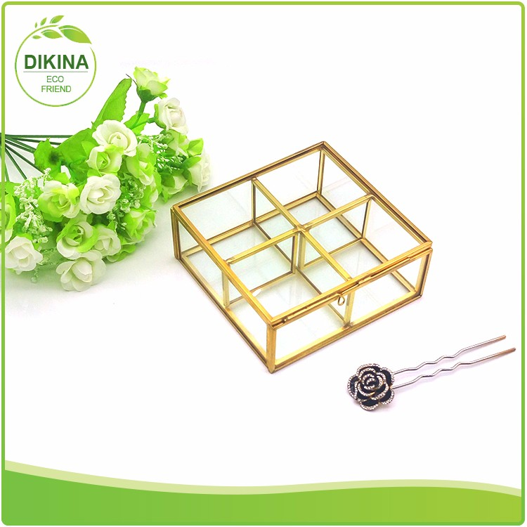 Luxury Customized Transparent Multi-use makeup case >< glass brass display box clear dustproof