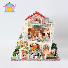 Factory direct supply wooden handicrafts items kids play toy doll house set