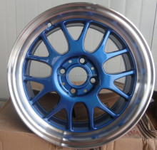 green blue red gold white casting alloy wheel rim with pcd 108 112