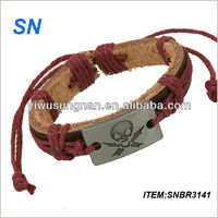 2014 High Quality Latest Geninue Leather Skull Bracelet