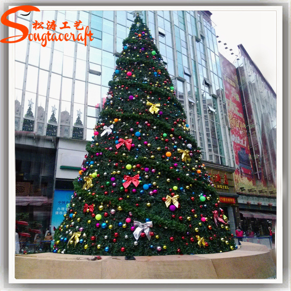 Wholesale artificial christmas trees decoration indoor