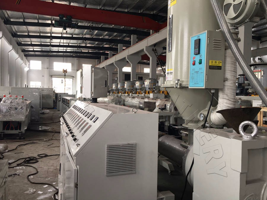 High Performance Three Layers PE Pipe Extrusion Line