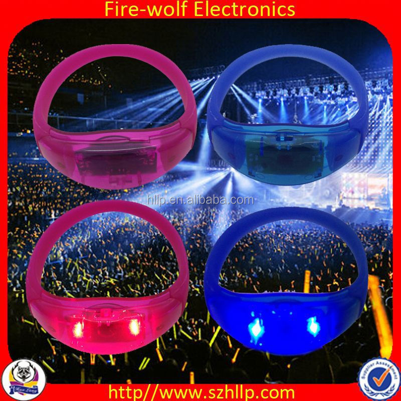 China Wholesale Party festival table decorations centerpieces wedding,remote control led flashing wristband
