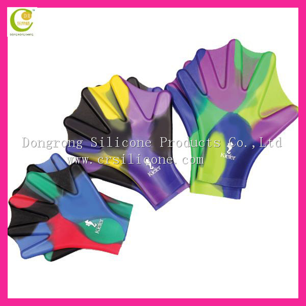 Durable newest hot sale factory directly production and supply mixed color silicon swimming gloves