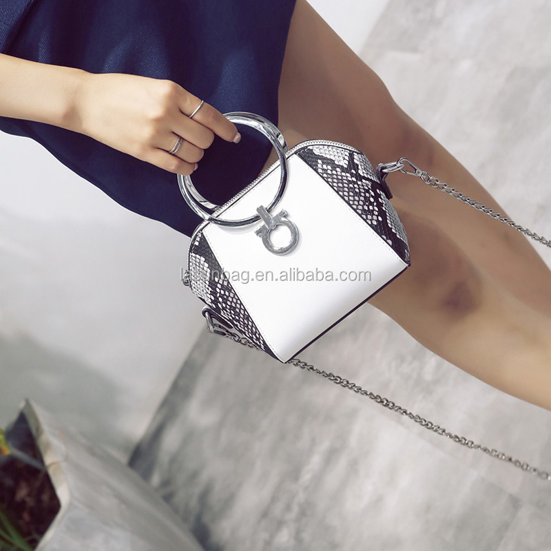 Hot Sale Qualited Round Metal Handle Snake Leather Chain Sling Bags
