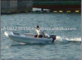 CE Approved Fiberglass Pleasure Boat